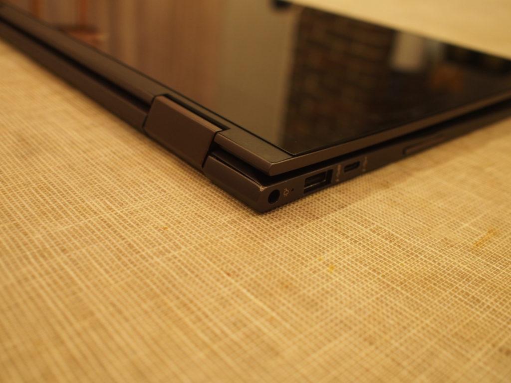 HP ENVY 13 x360 ベーシックモデル本体左側