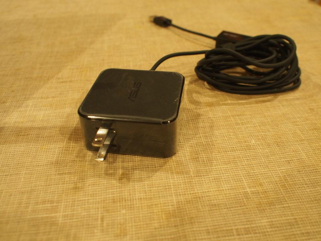 ASUS ZenBook 14 UX433FN-8265RB ACアダプター
