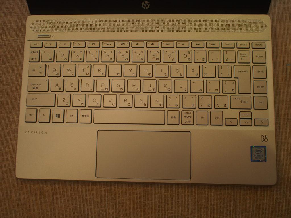 HP Pavilion 13-an0000(13-an0055TU):キーボードおよびスライドパッド