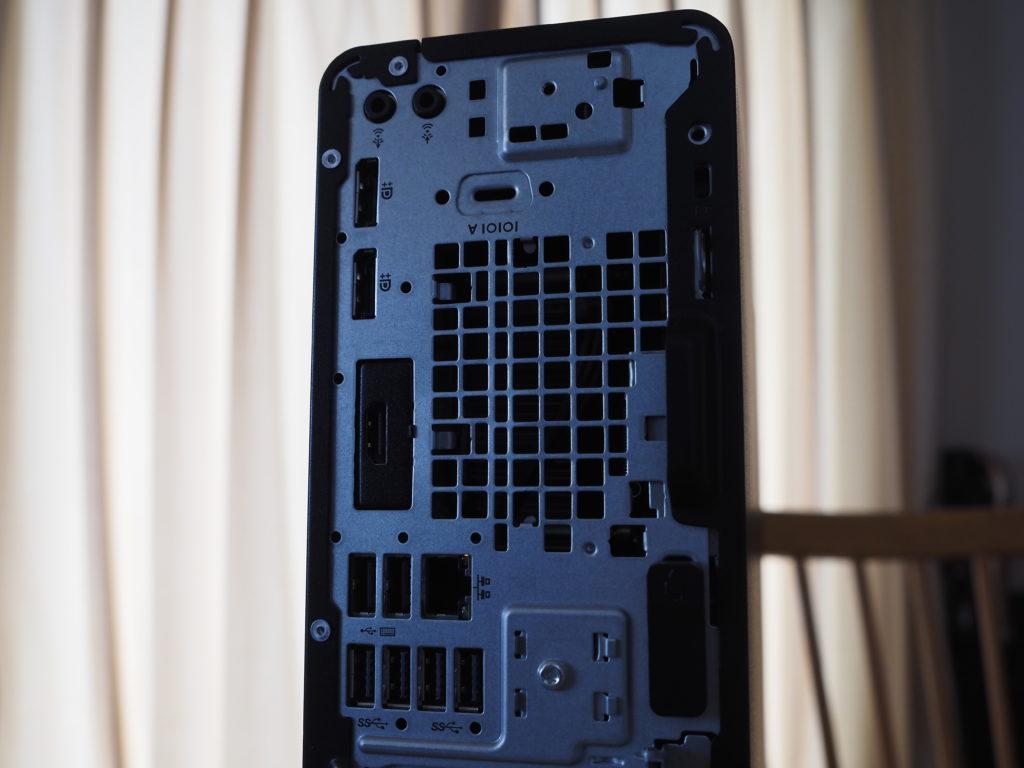本体背面(上部):HP EliteDesk 800 G5 SF/CT