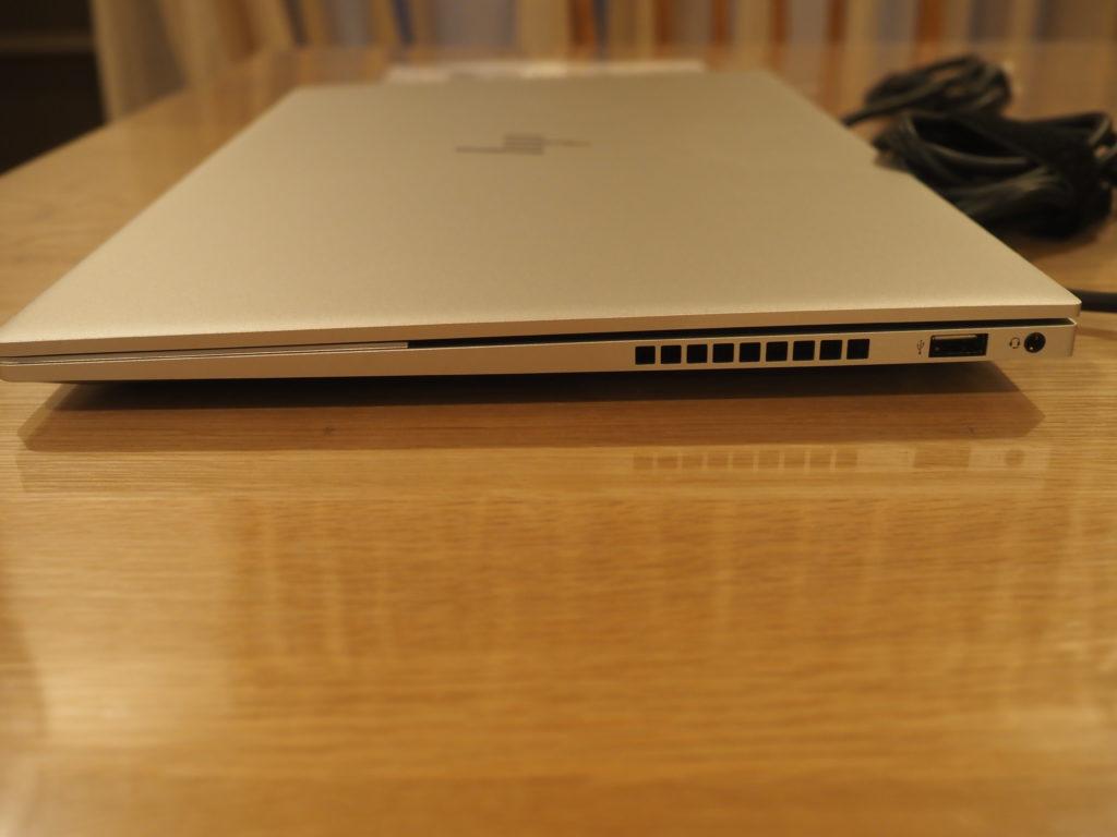 本体右側:日本HP ENVY 15-ep0003TX クリエイターモデル