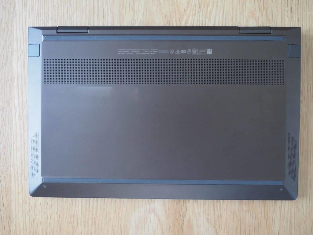 本体裏面:ENVY x360 Laptop - 13-ay0047AU