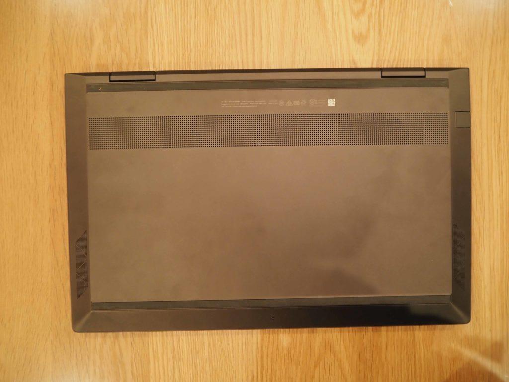 本体裏面:ENVY x360 Laptop - 15-ee0020AU