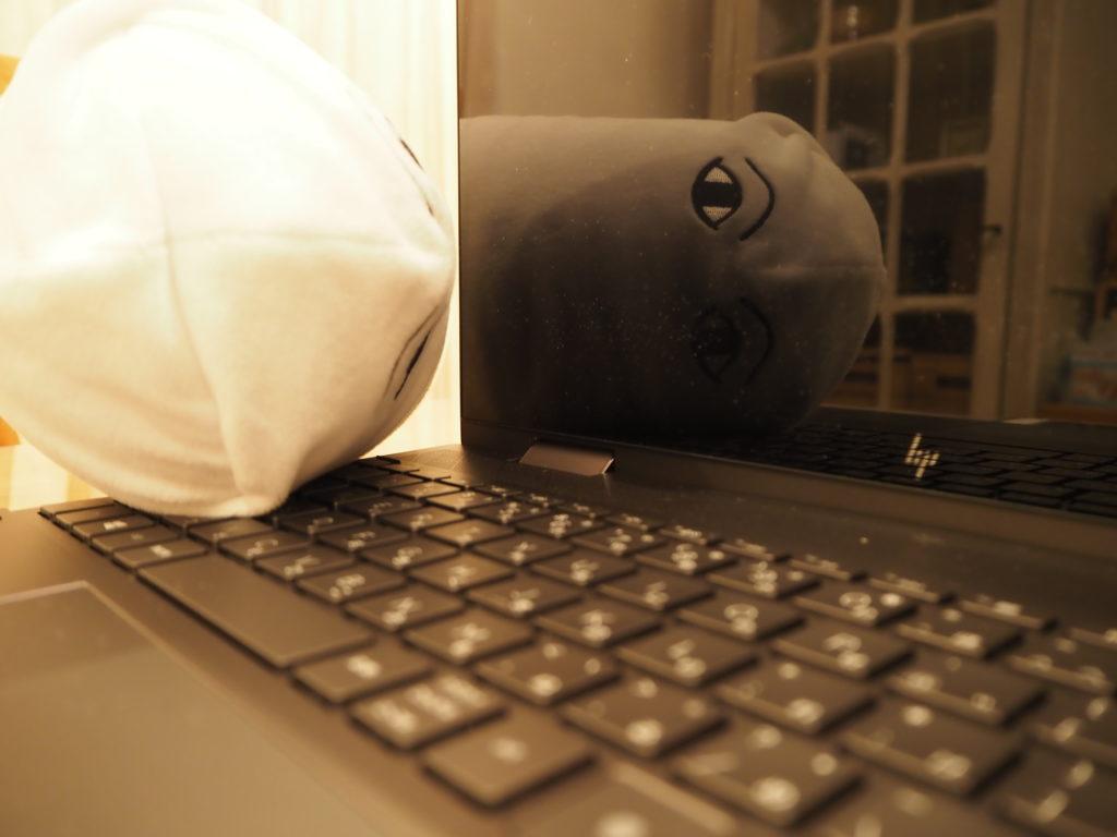 ディスプレイ:ENVY x360 Laptop - 15-ee0020AU
