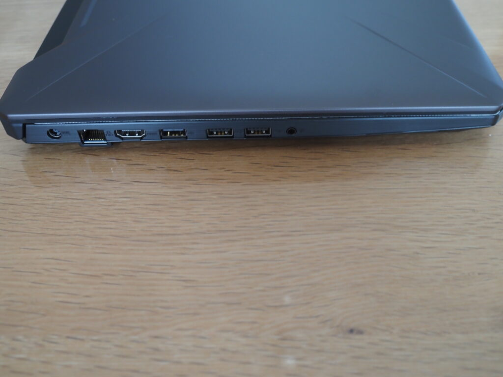 本体左側:FX505DT-R5G1650S