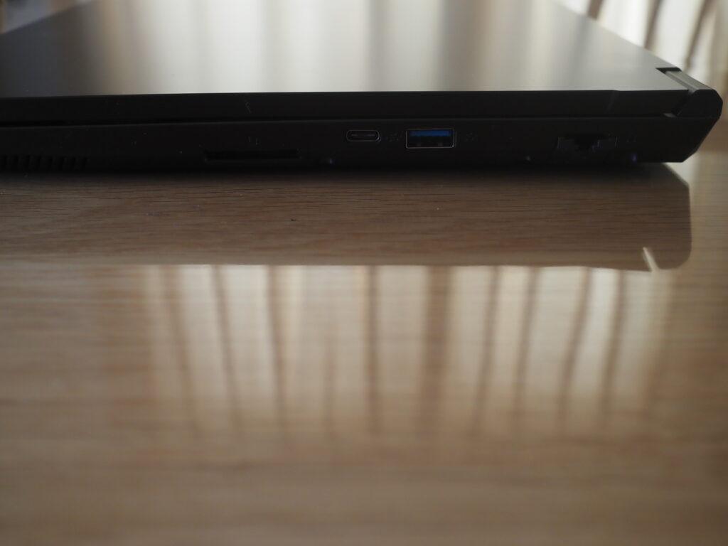本体右側:mouse K5