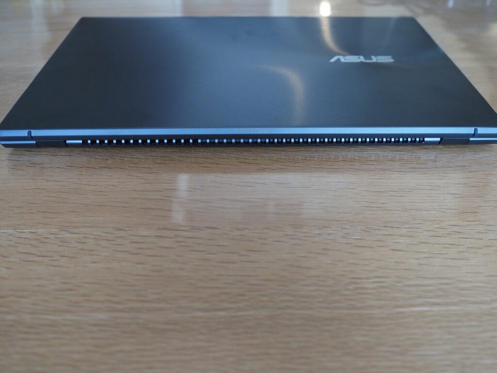 本体背面:ASUS ZenBook 13 OLED UX325EA (UX325EA-KG409TS)