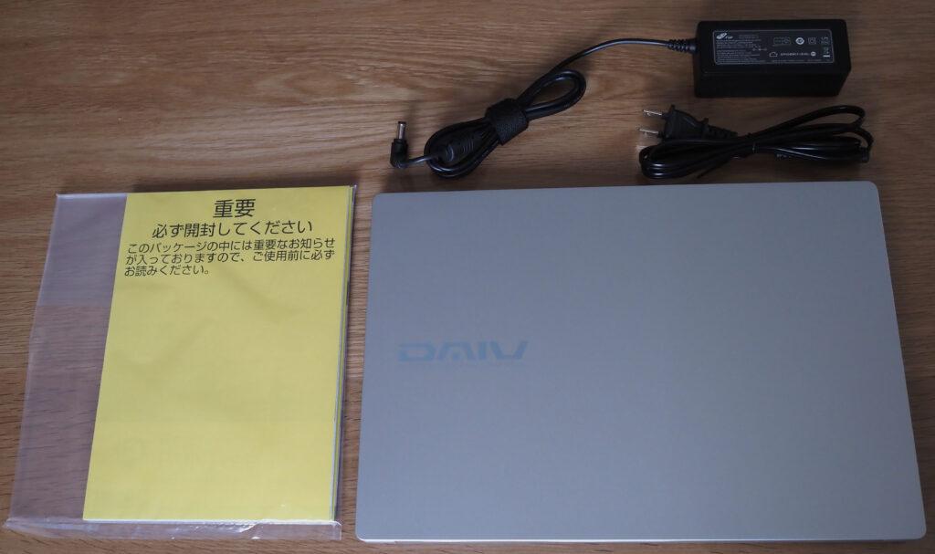 本体外観および添付品:DAIV 4P-H