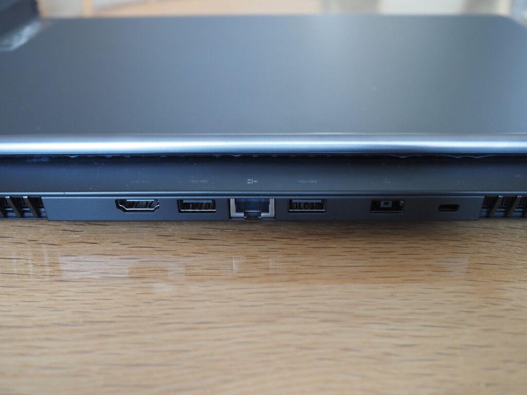 本体背面:Lenovo Legion 750i(81YT0025JP)
